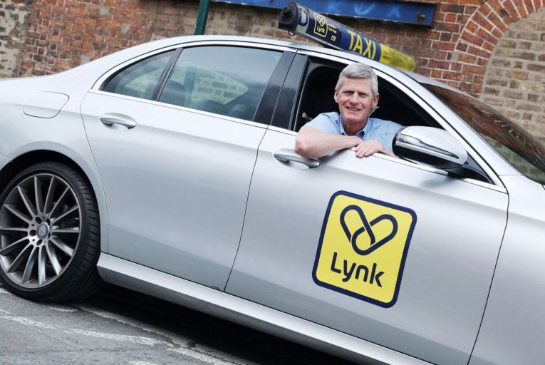 Lynk signs up nearly 100 grocers for express deliveries