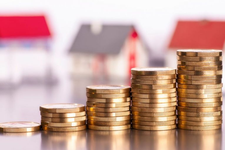Gross household savings increased by €1.5 billion to €7.4 billion during the first three months of 2021. Picture: Getty