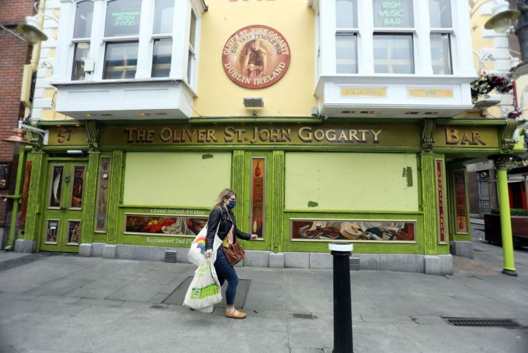 The Oliver St John Gogarty pub in Temple Bar: restaurants, gastropubs, hairdressers and other businesses closed their doors on Christmas Eve for yet another spell caused by a surge in Covid-19 cases. Picture: Leah Farrell/RollingNews.ie
