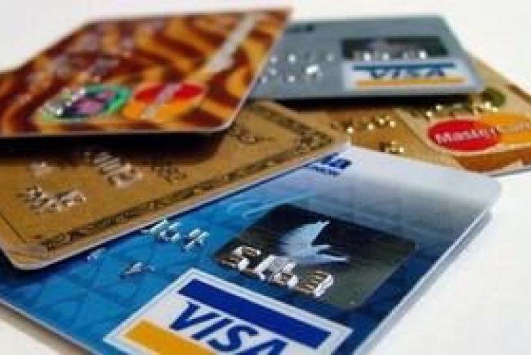 Cheque, cash usage fell 8% in 2011, says IPSO