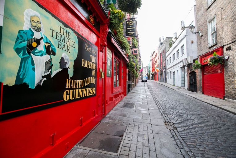 A quiet Temple Bar as pubs remain closed during lockdown. Quality testing and contact-tracing systems must be in place before restrictions are lifted. Picture: Rollingnews.ie