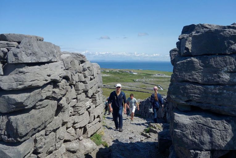 Inis Mór votes to ask tourists to stay away over Covid-19