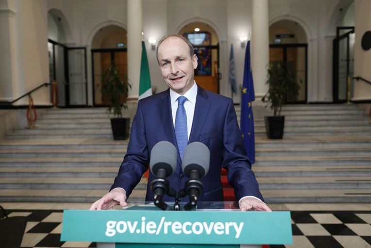 Taoiseach backs motion to create banking commission