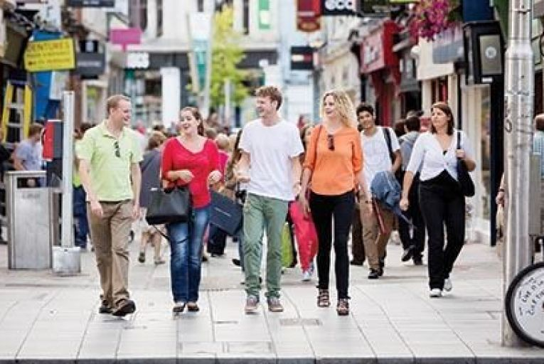 Shoppers enjoy a day  out in Cork city centre