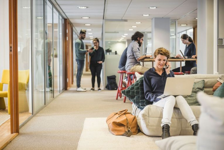 Regions providing fewer than one hub per 1,000 potential remote workers