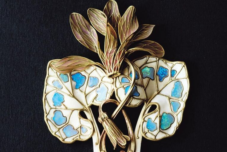 Where nature and jewellery meet: archival imagery from Flora: The Art of Jewelry