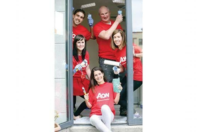 Aon staff volunteer in Dublin community project