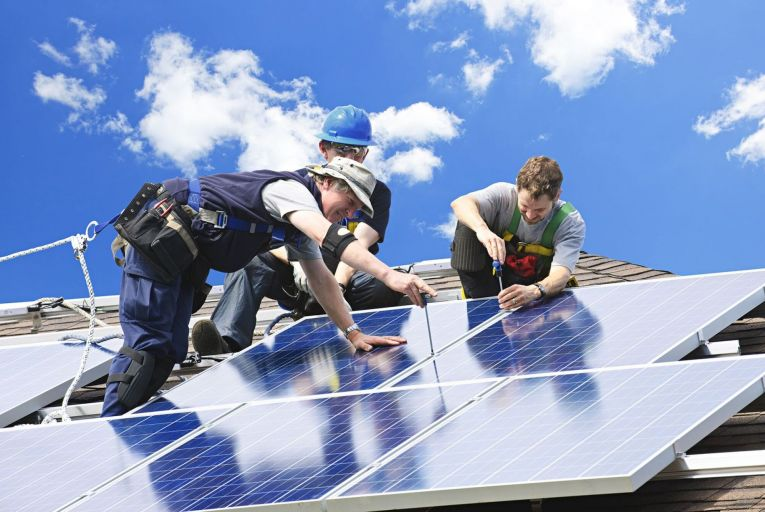 Planning rules are scrapped for rooftop solar panels