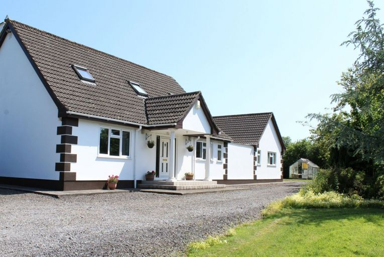 Annagh Lodge was built in 1995 and extends to 147 square metres