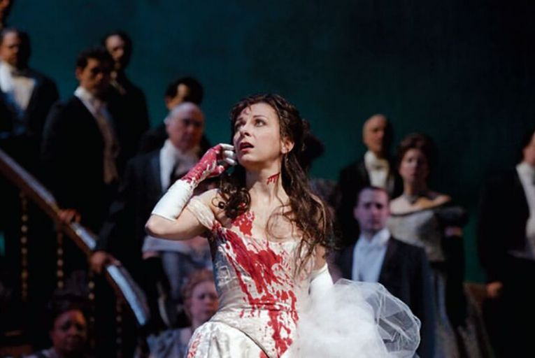A livestream of Donizetti's Lucia di Lammermoor from the Staatsoper Hambur as part of Operavision