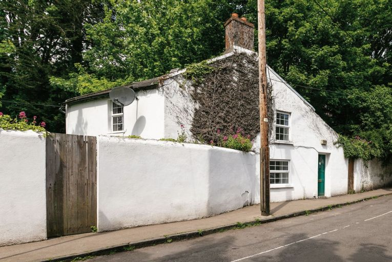 Mill Pond comprises nos 1 and 2 Dartry Cottages, which collectively offer 589 square metres of accommodation