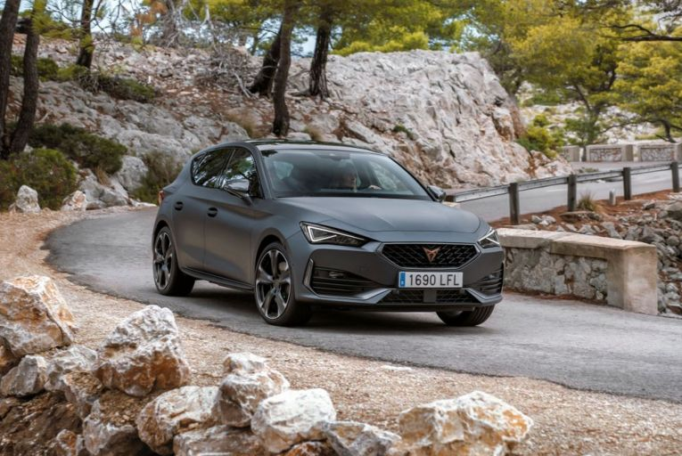 The Cupra Leon e-Hybrid: prices start at €41,210