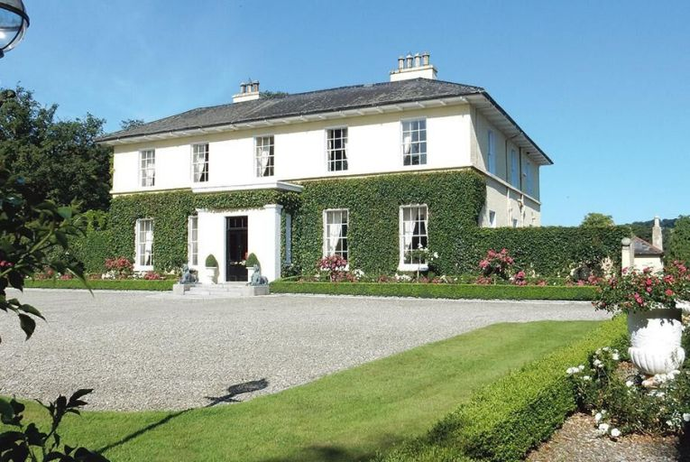 A home to actors, gentry and other merry men