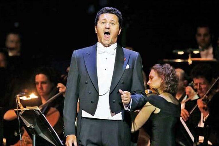 Polish tenor's powerhouse performance
