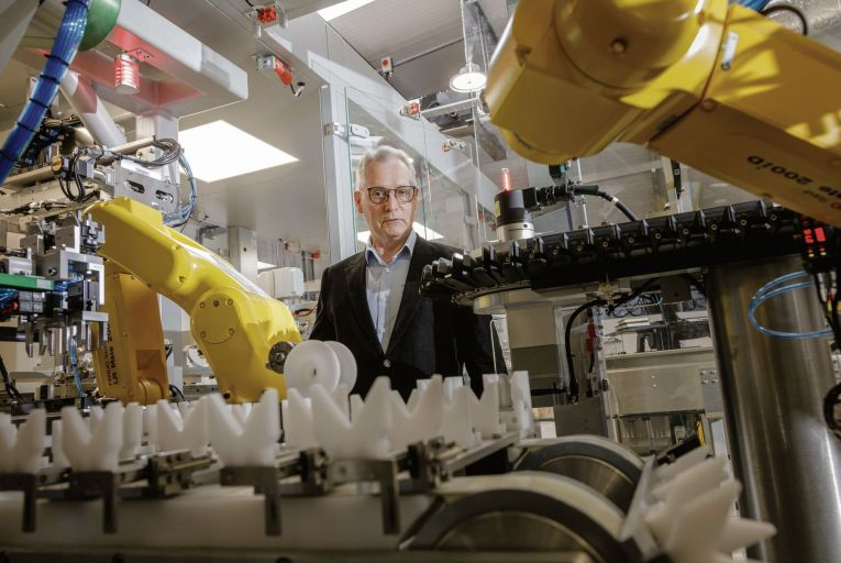 Making It Work: Automation firm stays sharp with robotics for use in pharma industry