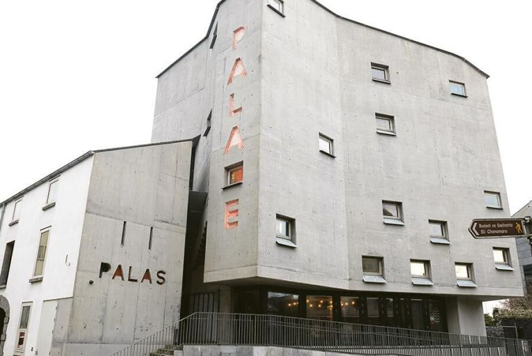 New liquidator appointed to Pálás cinema's troubled former company