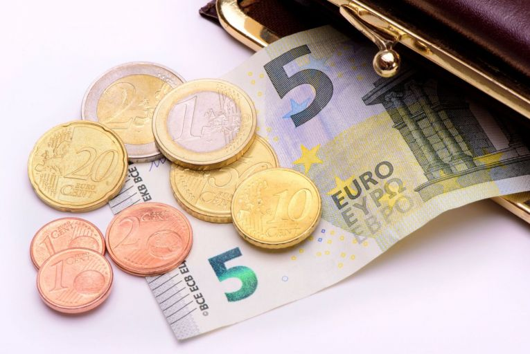 The Irish Congress of Trade Unions is calling for the minimum wage to be increased by at least 30 cent an hour to €10.50 to bring it towards a 'living wage' of €12.30. Picture: Getty