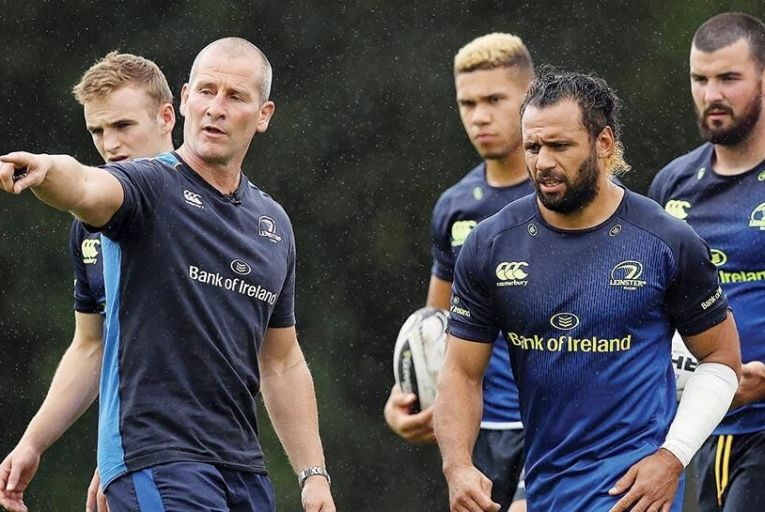 Leinster Rugby senior coach  Stuart Lancaster puts the  squad through their paces PIcture: Inpho