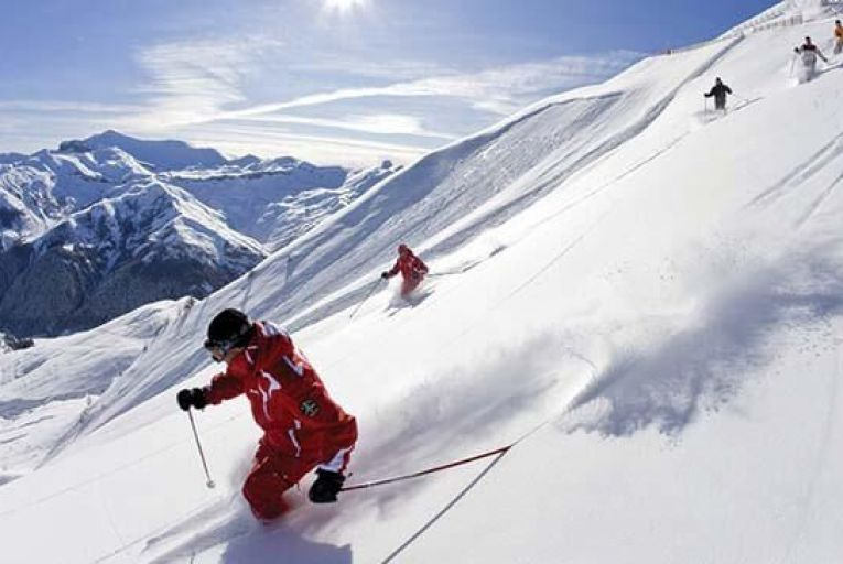 Auron offers good high-altitude skiing just 90 minutes from the beaches of the Côte d'Azur