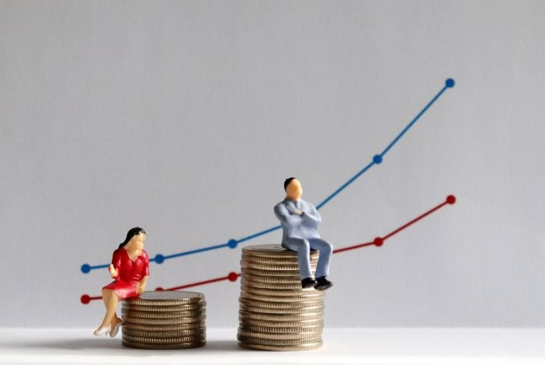 The average gender pay gap has risen to 14.4 per cent, according to the most recent estimates for 2017.