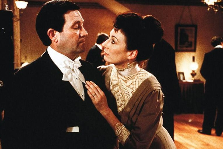 Donal Mc Cann and Angelica Huston in The Dead, the film adaptation of the renowned James Joyce short story