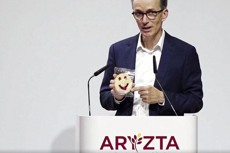 Aryzta, the Irish Swiss food company, is likely to curb the pay package for its next chief executive as it seeks to slim down the business