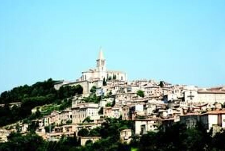Todi in Umbria: the perfect setting for a wedding. Photo: Getty