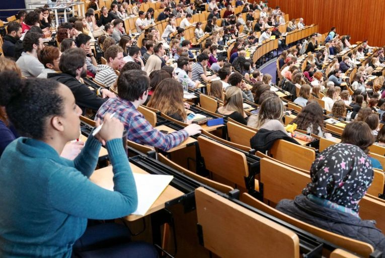 Students face tax clawback on €250 Covid-19 grant