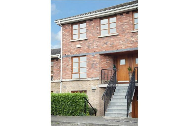 Stoneybatter apartment in turnkey condition and with parking space