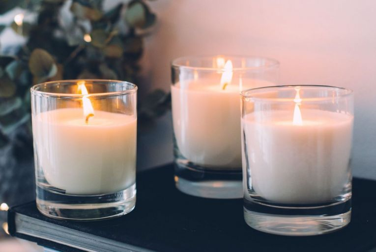 Get a handle on candles this Christmas