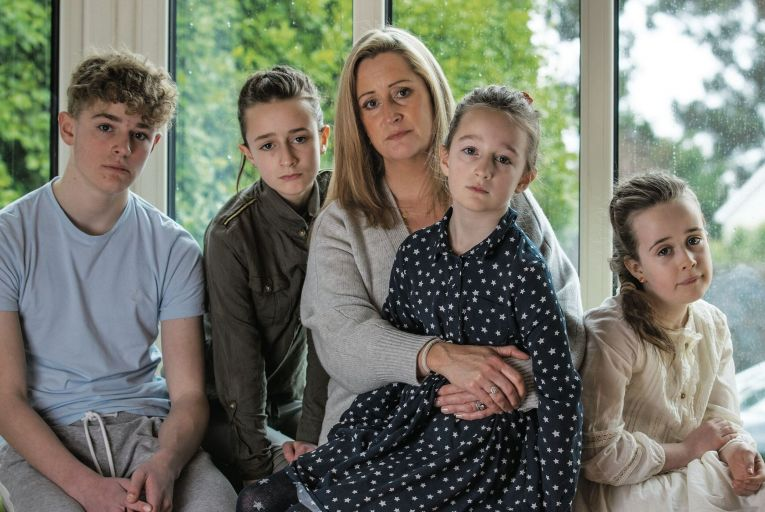 Tara O'Halloran with her kids Ben (13), Amber (11), Isabella (9) & Scarlett (7). Tara's husband Richard O'Halloran an aviation executive who has been barred from leaving China for the past two years Picture: Fergal Phillips