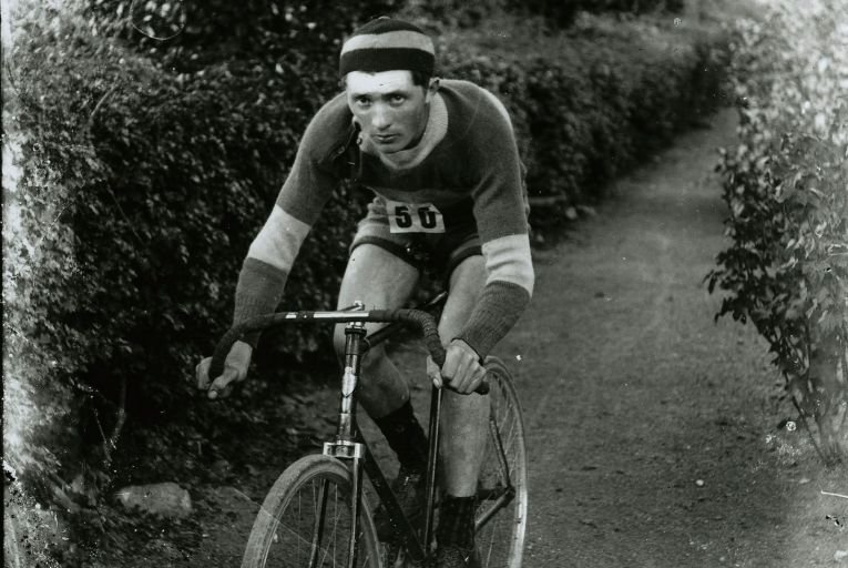 Gus McCarthy on the Hercules bicycle he used to travel 100 miles across the country from Tipperary to Croke Park
