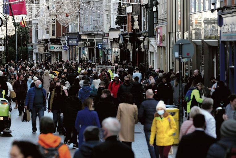 Huge crowds of Christmas shoppers on Grafton Street over the festive period Picture: RollingNews.ie