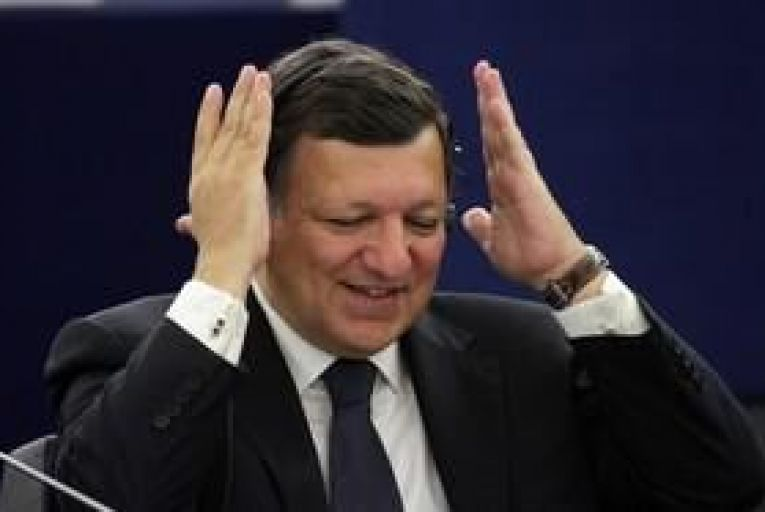 Barroso says Greece should stay in euro