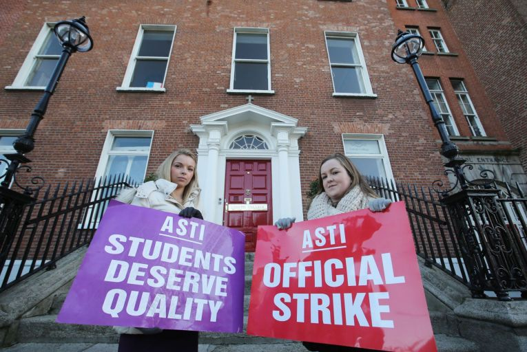Result of teachers' vote on industrial action due this week
