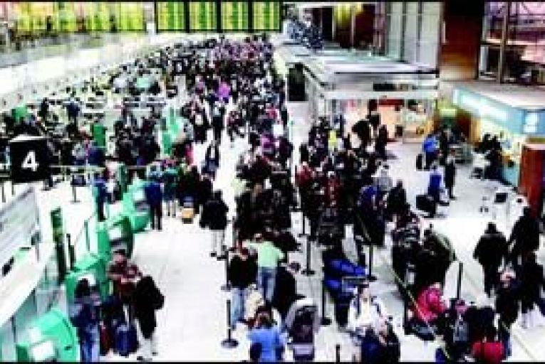 Emergency staff row threatens to disrupt Dublin Airport services