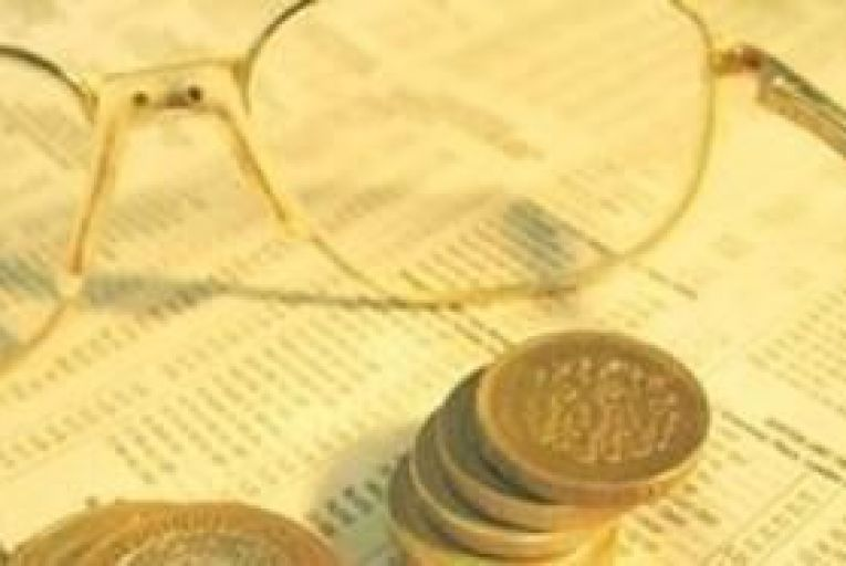 Bank deposits rise €200m in January