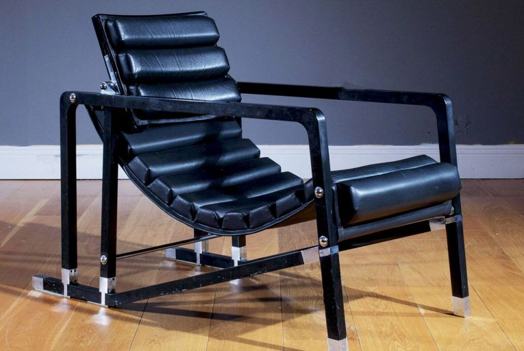 Eileen Gray's lacquer, chrome and black leather Transit Chair