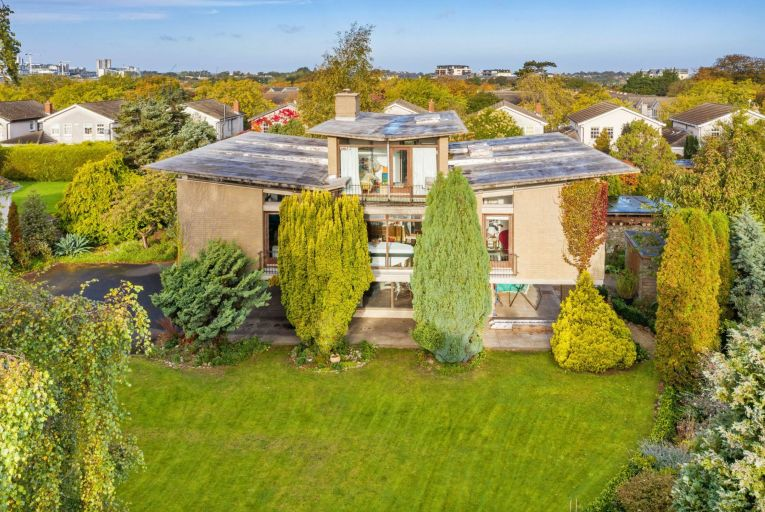 Ceiliúrlann is a detached, five-bedroom home extending to 208 square metres on a site of 0.8 acres