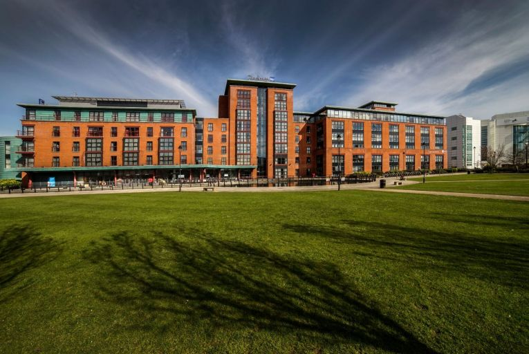Central Belfast hotel and offices on market for €18m