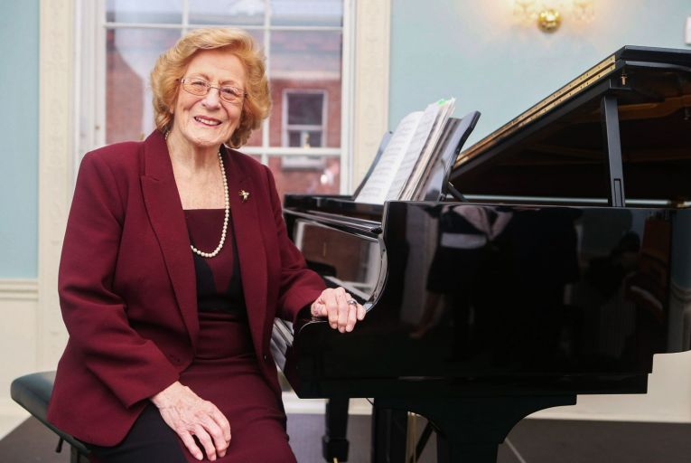 Classical Notes: Veronica Dunne leaves a noble legacy to young singers