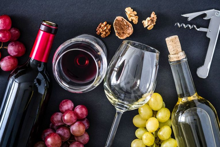 When pairing wines with vegeterian or vegan food, the best approach is to eat as seasonally as possible