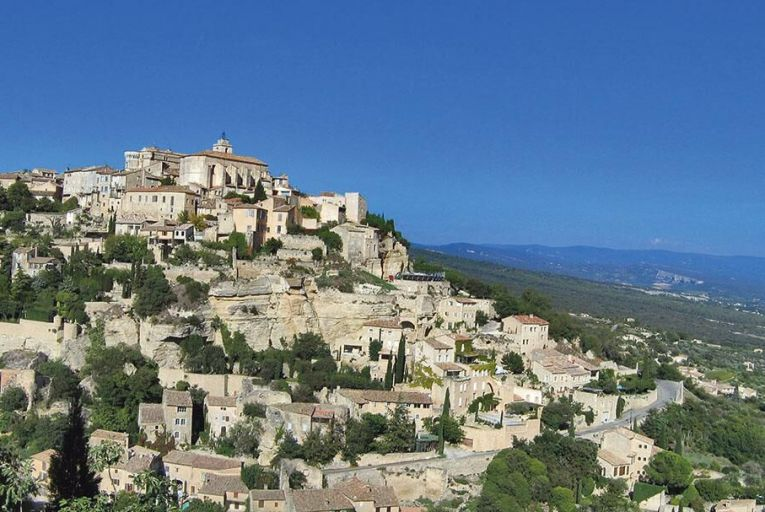 The village of Gordes looks out over le terroir of Provence