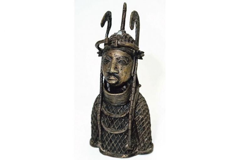 Mothers and kings reign over African collection