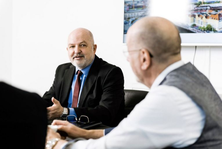 In late May of2019, Charles Smethurst, the Dolphin Trust founder, flew to Singapore for a strained meeting with investors whose returns had not been paid since 2018