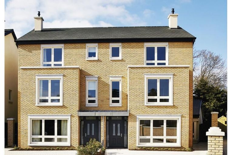 Ardilea Crescent is located within the highly sought-after Dublin suburb of Clonskeagh