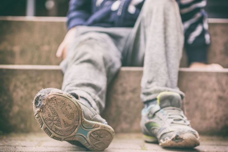 Relationship breakdowns among parents and parental job losses were found to be key triggers for transitioning into poverty