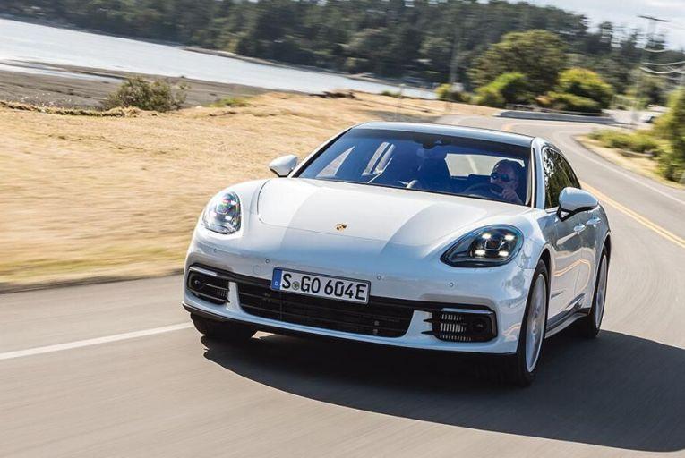 The new Porsche  Panamera  Sport Turismo