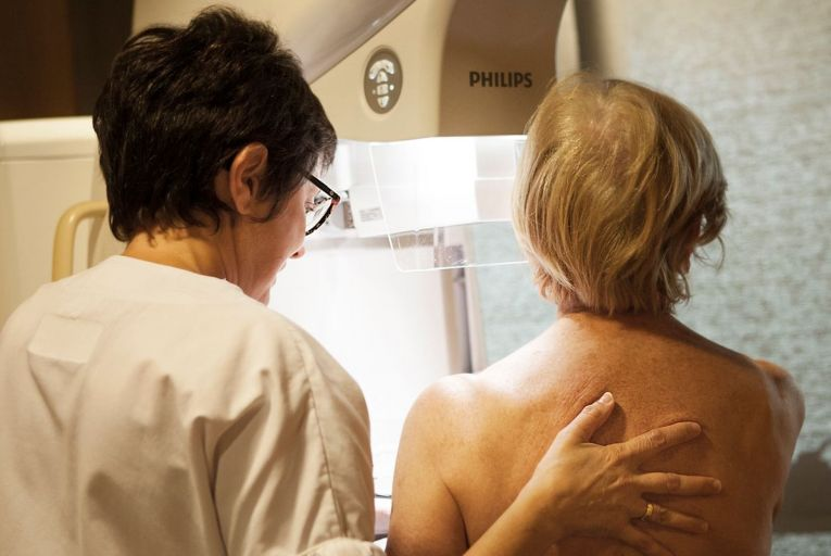 Doctors to be advised not to disclose findings of past mammogram reviews