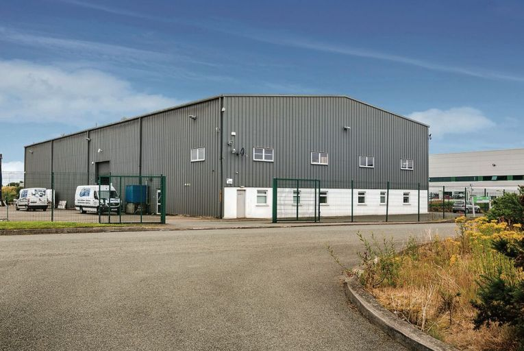 High-yield office and warehouse unit at Naas industrial park
